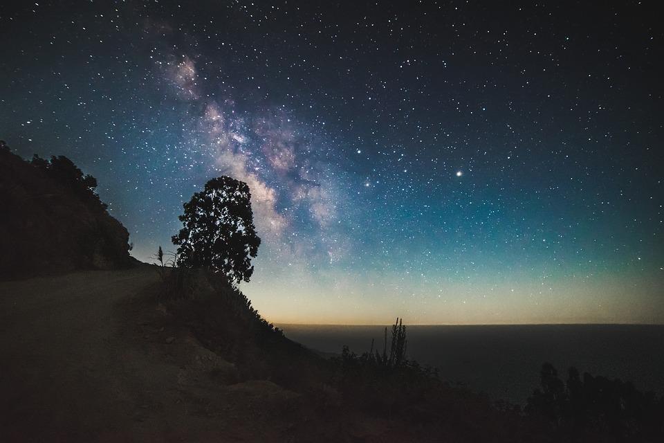 cosmos-1866583_960_720