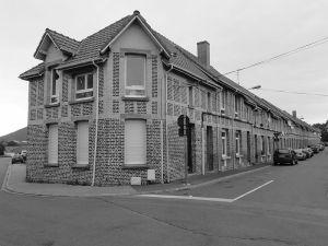 800px-Liévin_-_Cités_de_la_fosse_n°_3_-_3_bis_des_mines_de_Lens_(10)